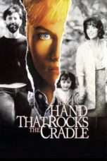 Nonton Streaming Download Drama The Hand that Rocks the Cradle (1992) Subtitle Indonesia
